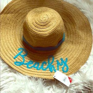 Super cute, never worn beachy hat!